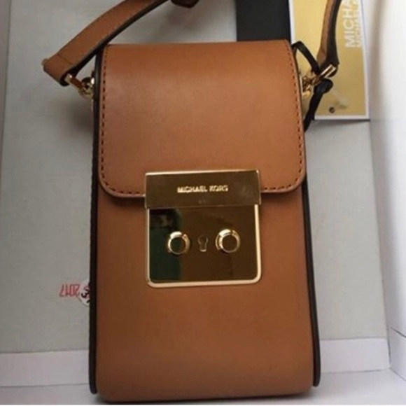 32b5c030a8a0 Michael Kors Scout Collection Leather Bag NWT